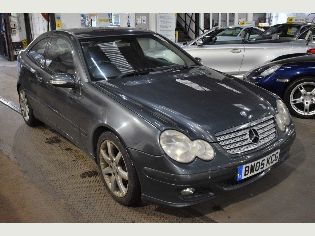 Mercedes-Benz C Class Coupe 2.1 C200 CDI SE 2dr