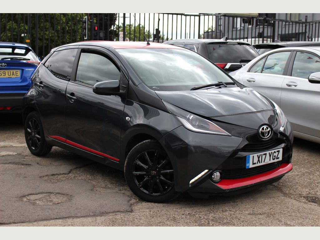 Toyota AYGO Hatchback 1.0 VVT-i x-press x-shift 5dr
