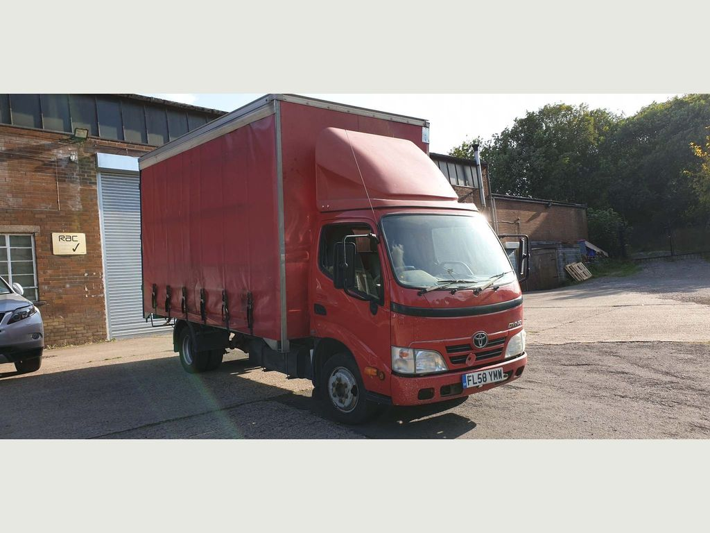 Toyota Unlisted Curtain Side 3.0 D-4D 350 LWB Chassis Cab 2dr Diesel Manual (279 g/km, 108 bhp)