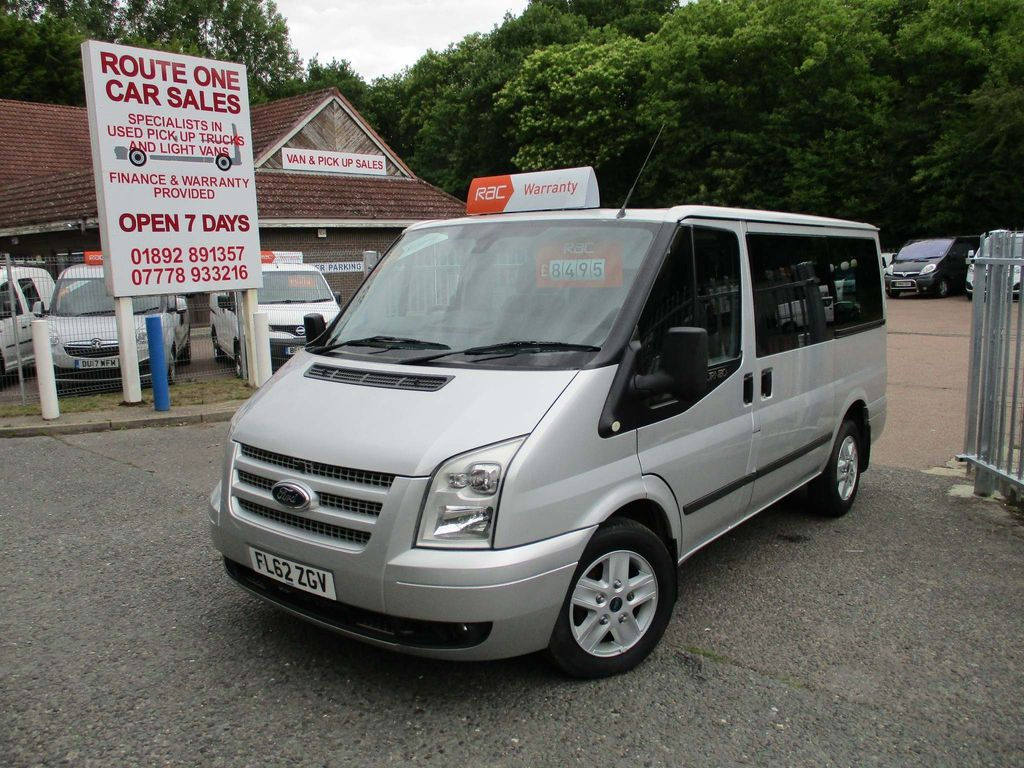 Ford Transit Minibus 2.2 TDCi 280 Tourneo Limited Low Roof Bus S 5dr (8 Seats)