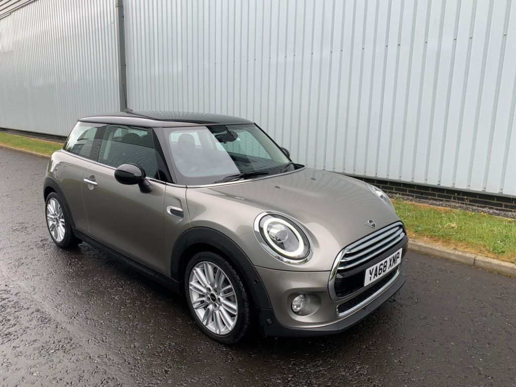 MINI Hatch Hatchback 1.5 Cooper Exclusive Steptronic (s/s) 3dr