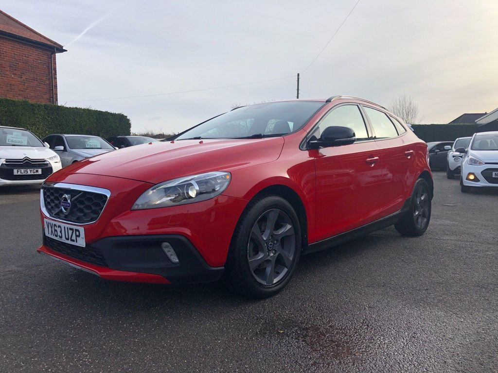 Volvo V40 Cross Country Hatchback 1.6 D2 Lux Cross Country (s/s) 5dr