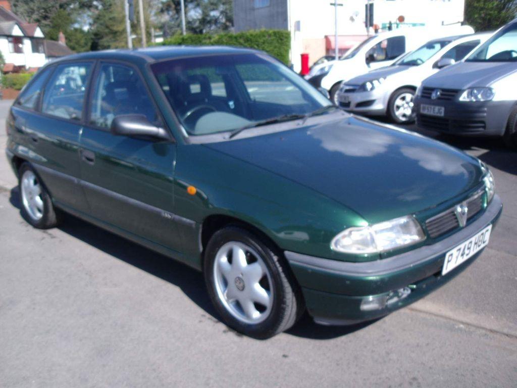 Vauxhall Astra Hatchback 1.4 i LS 5dr