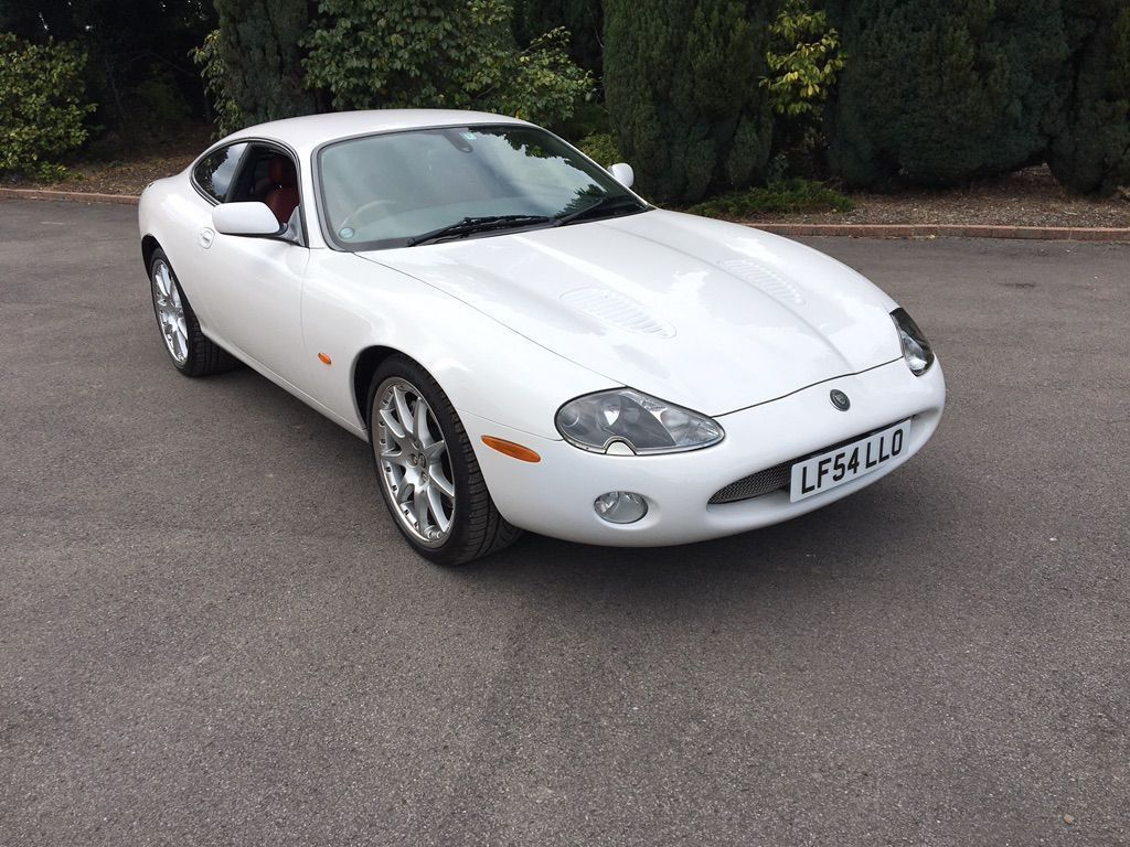 JAGUAR XKR Coupe 4.2 Supercharged Coupe 2dr Petrol Automatic (304 g/km, 400 bhp)