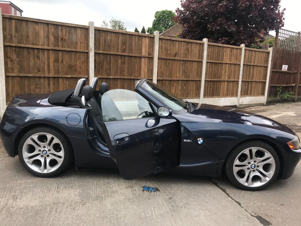 BMW Z4 Convertible 2.2i SE Auto 2dr