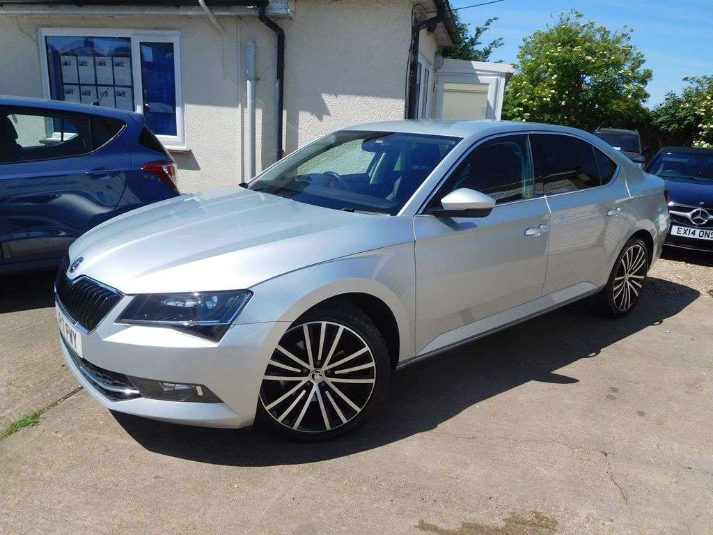 SKODA Superb Hatchback 2.0 TSI SE L Executive DSG (s/s) 5dr