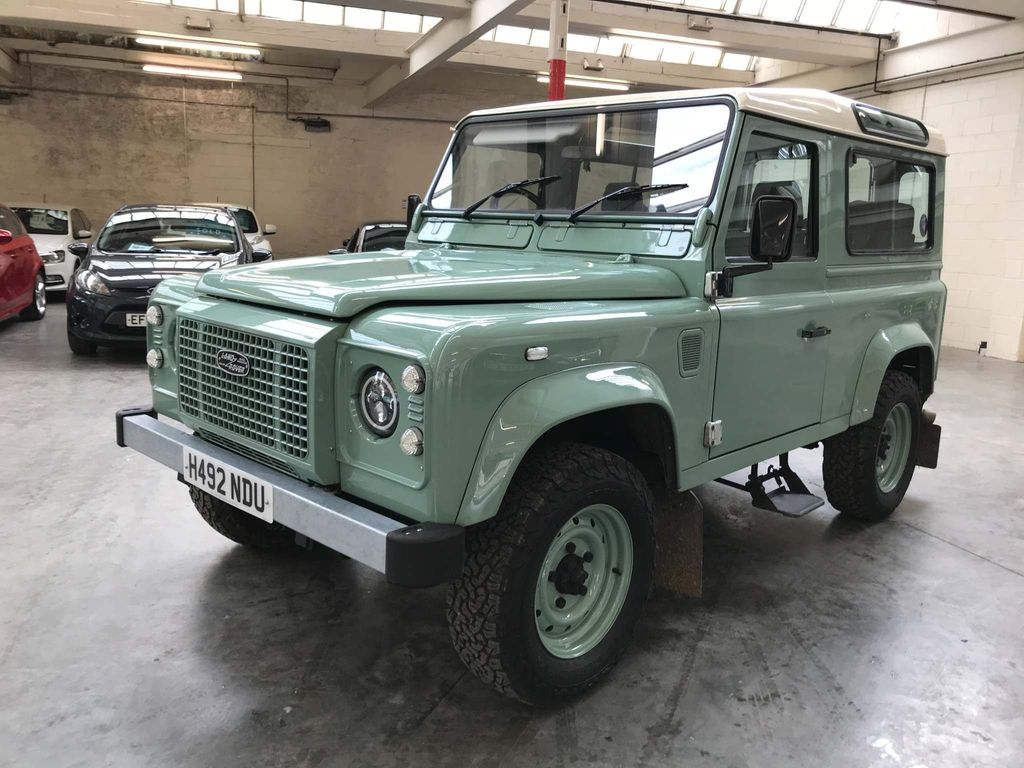 Land Rover 90 SUV County Station Wagon