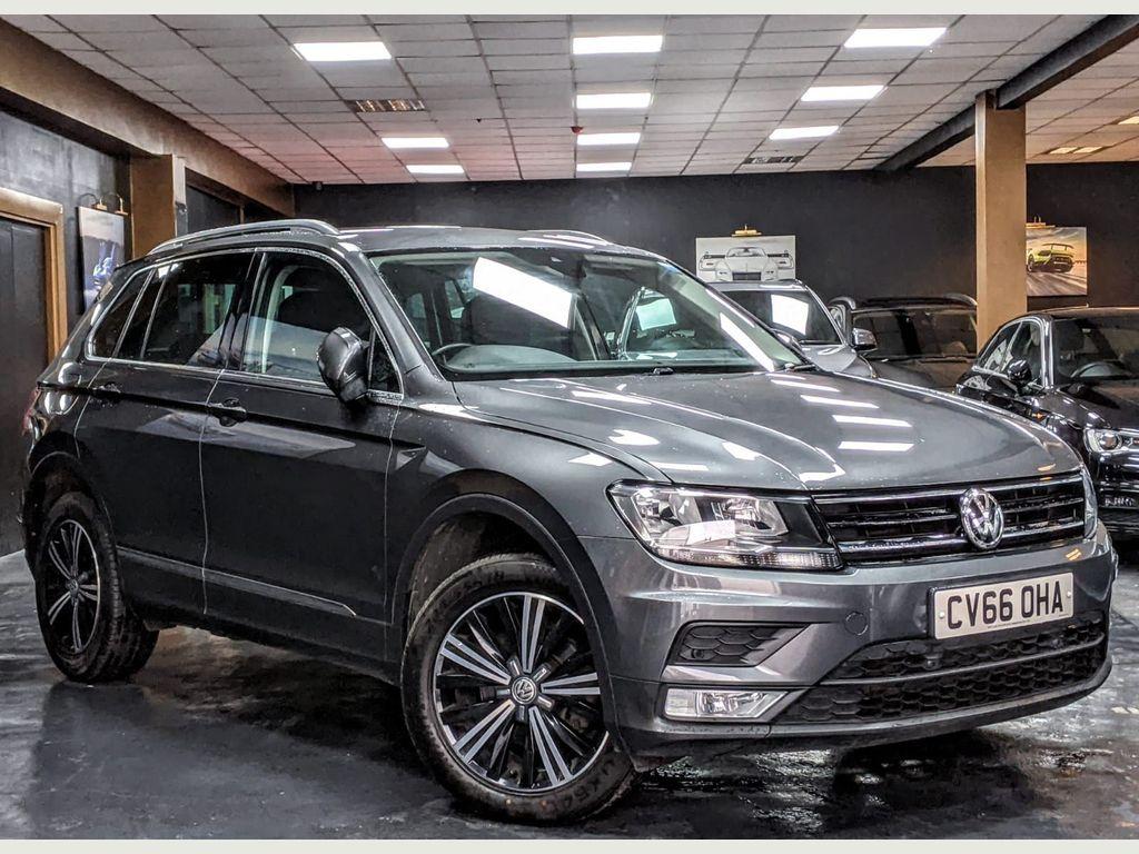 Volkswagen Tiguan SUV 2.0 TDI BlueMotion Tech SE Navigation DSG 4Motion (s/s) 5dr