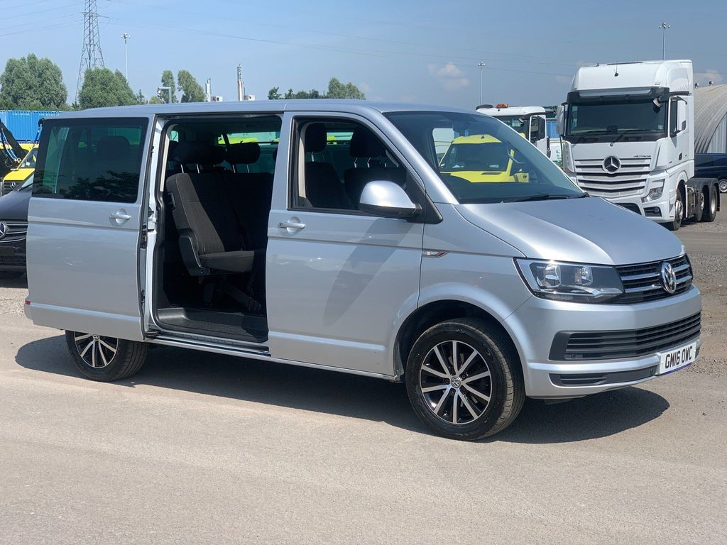 Volkswagen Transporter Minibus 9 SEAT SUTTLE SE T32 HIGHLINE 2.0 BUS