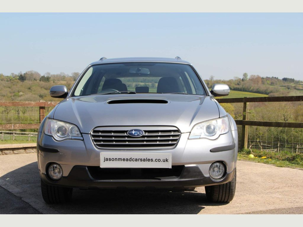 Subaru Outback Estate 2.0 D R 5dr