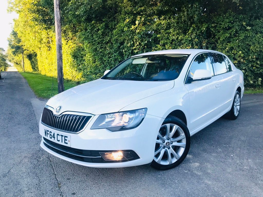 SKODA Superb Hatchback 2.0 TDI SE Business 5dr