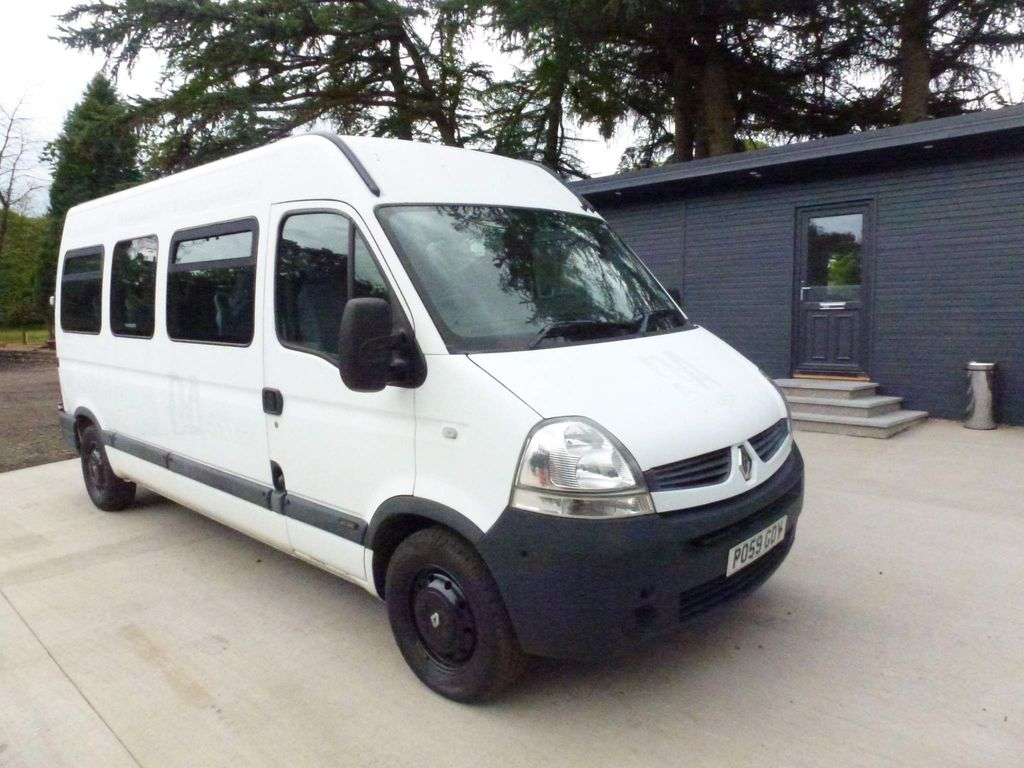 Renault Master Minibus 2.5 dCi LM39 Bus 4dr (16 Seats)