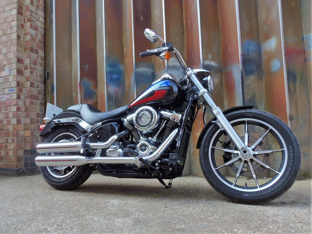 Harley-Davidson Softail Custom Cruiser 1750 Low Rider