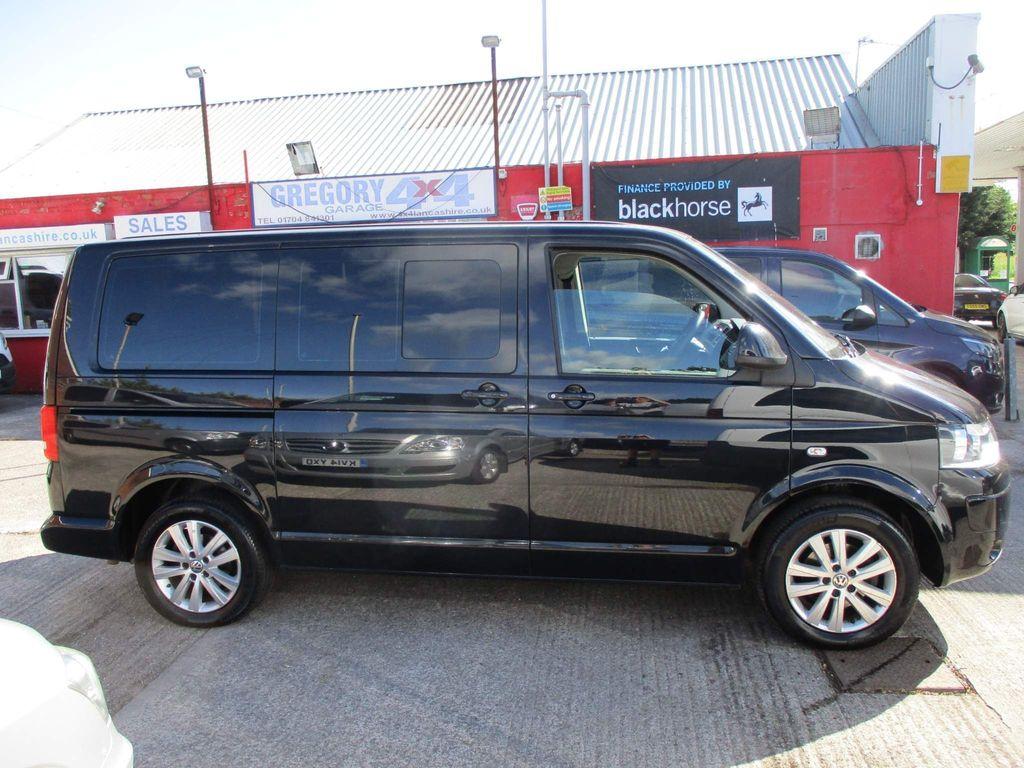 Volkswagen Transporter Combi Van 2.0 TDI T30 Kombi DSG SWB 4dr (SWB)
