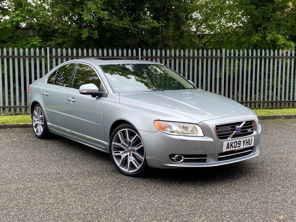 Volvo S80 Saloon 4.4 V8 Executive Geartronic AWD 4dr