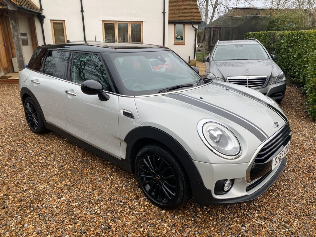 MINI Clubman Estate 2.0 Cooper D (Black Pack) Auto (s/s) 6dr