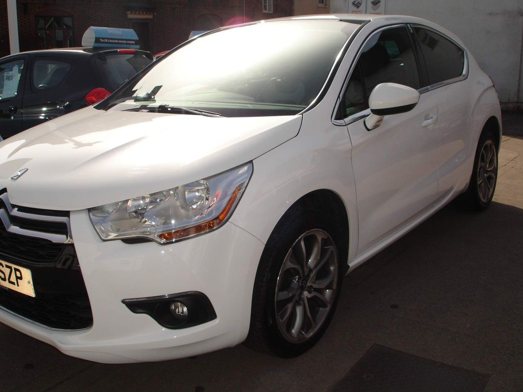 Citroen DS4 Hatchback 1.6 e-HDi Airdream DStyle EGS6 5dr