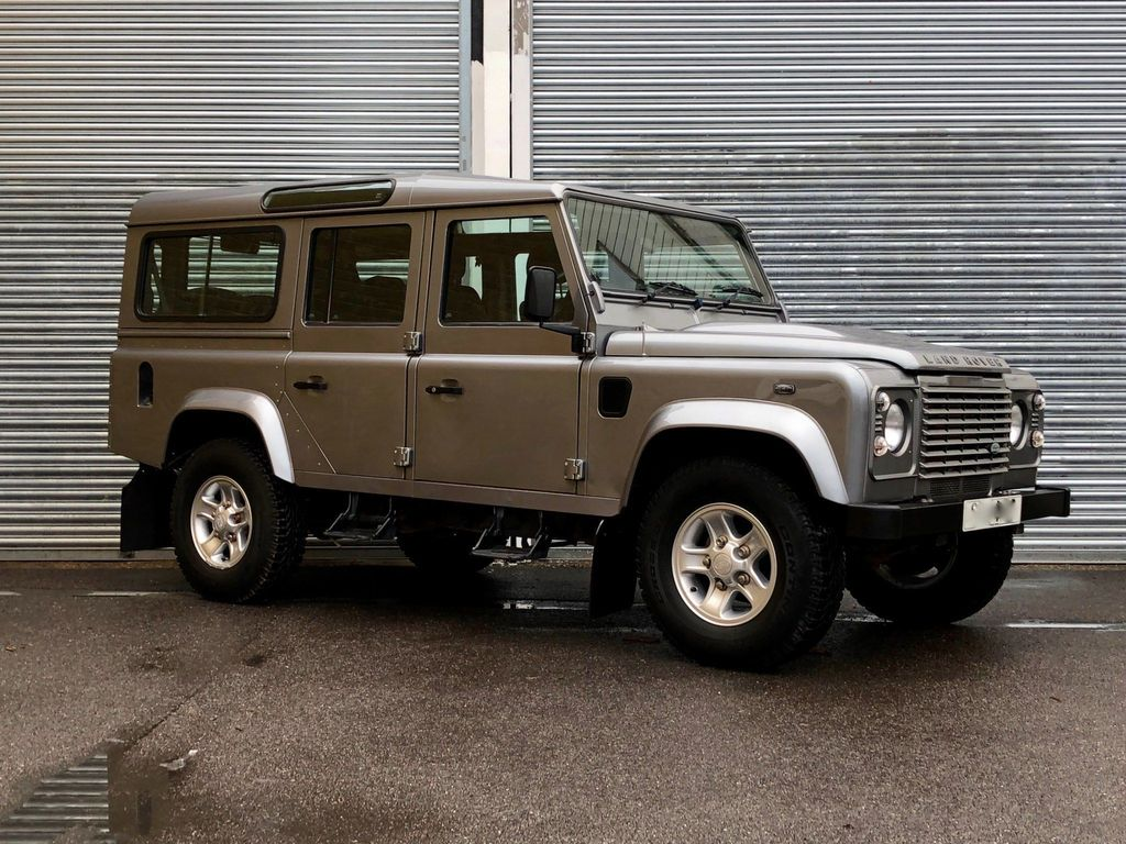 Land Rover Defender 110 SUV 2.2 D DPF County Station Wagon 5dr