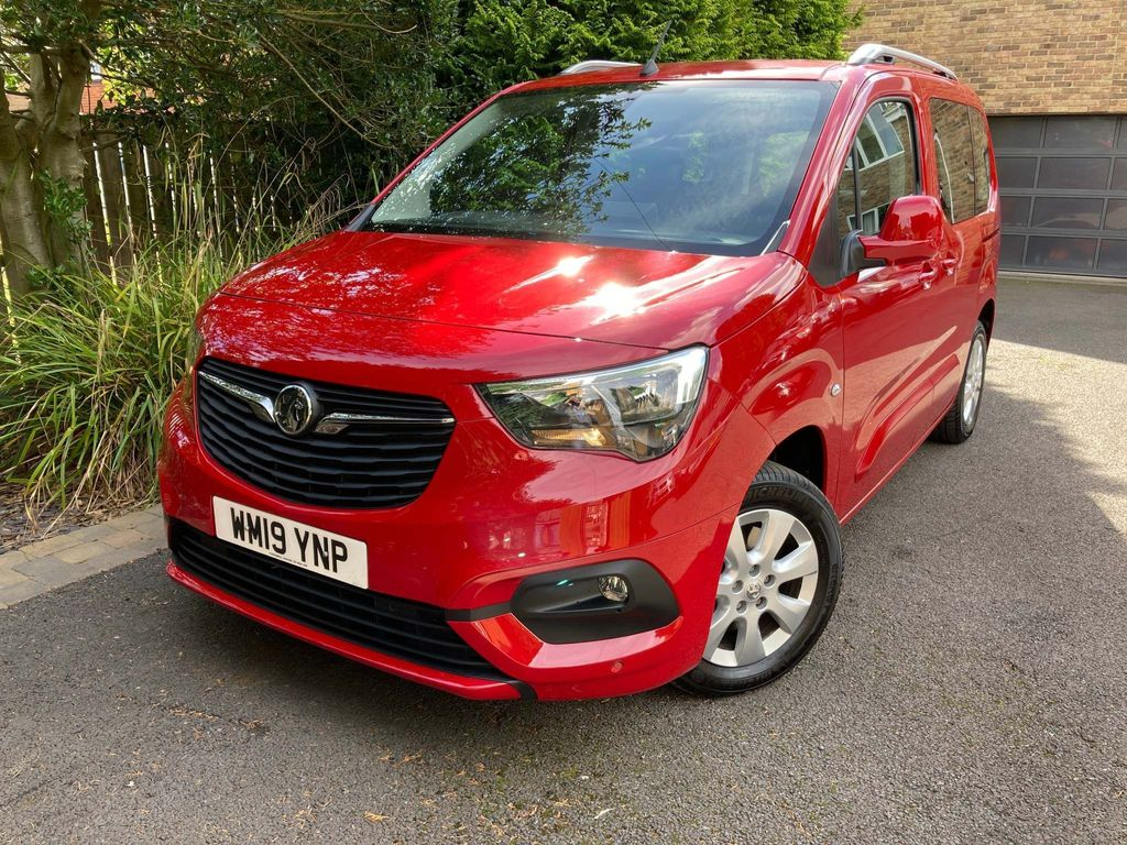 Vauxhall Combo Life MPV 1.5 Turbo D BlueInjection Energy Auto (s/s) 5dr