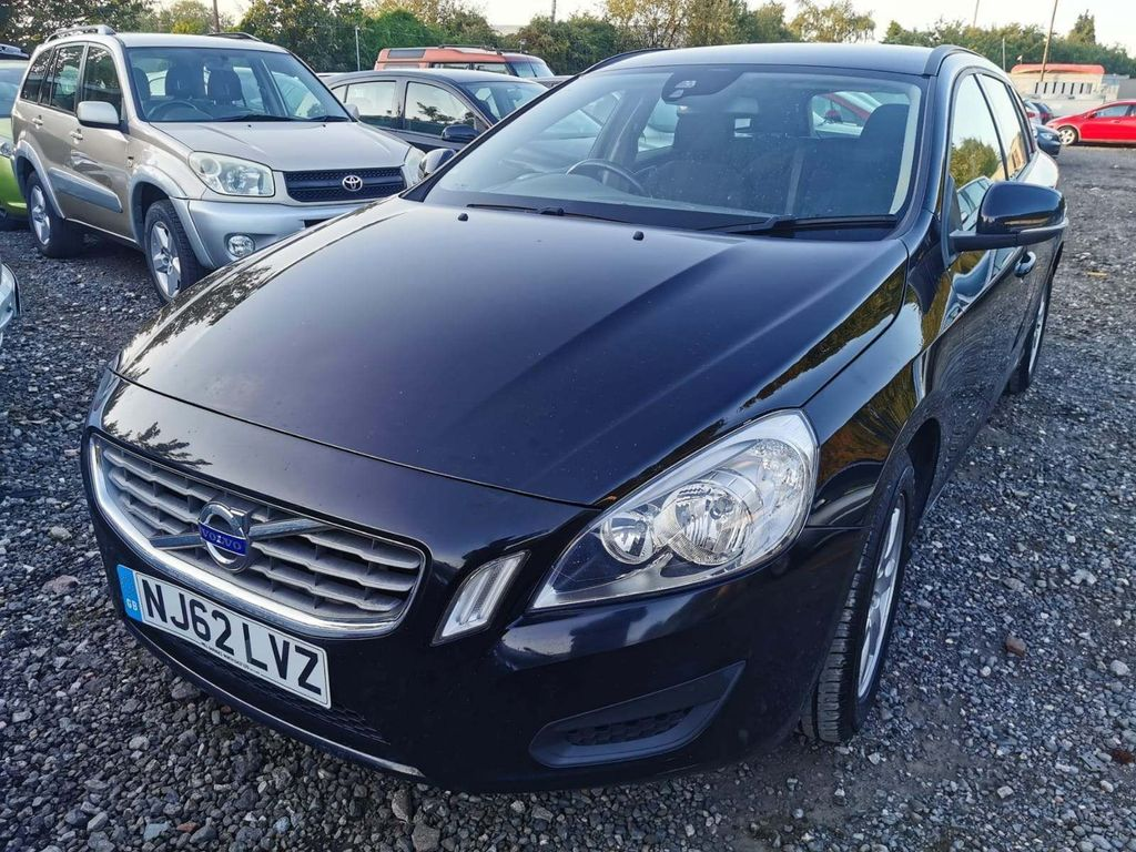 VOLVO V60 Estate 2.0 D3 ES 5dr