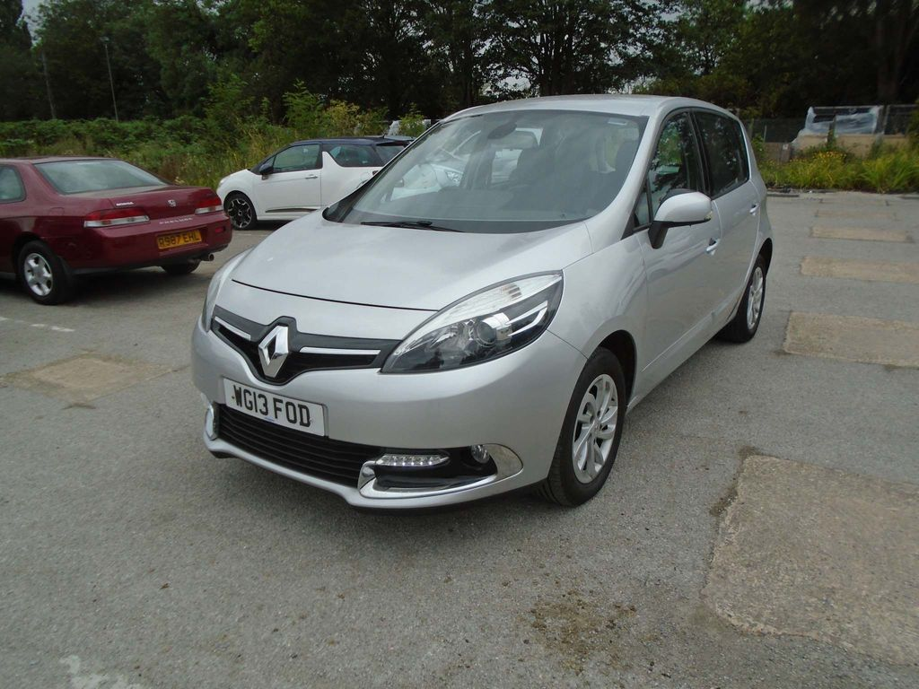 Renault Scenic MPV 1.5 TD ENERGY Dynamique Tom Tom (s/s) 5dr