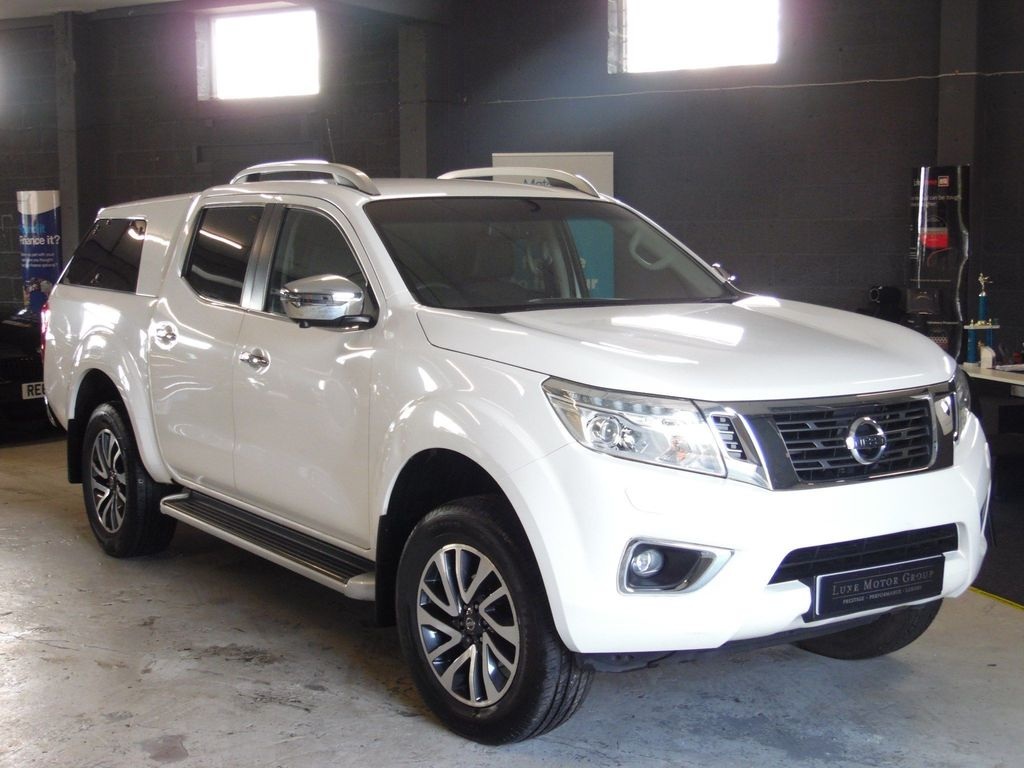 Nissan Navara Pickup 2.3 dCi Tekna Double Cab Pickup Auto 4WD EU5 4dr