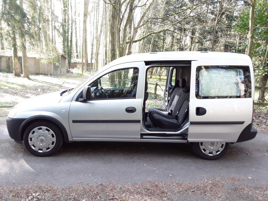 Vauxhall Combo Combi Van 1.7cdti 2000 16v CREW VAN 6DR DIESEL