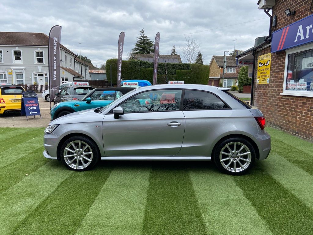 Audi A1 Hatchback 1.4 TFSI CoD S line (s/s) 3dr