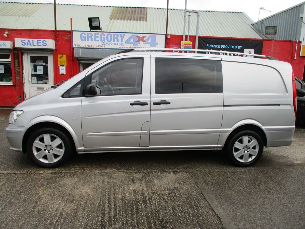 Mercedes-Benz Vito Combi Van 2.1 CDI Dualiner Long Panel Van 5dr (5 Seats)