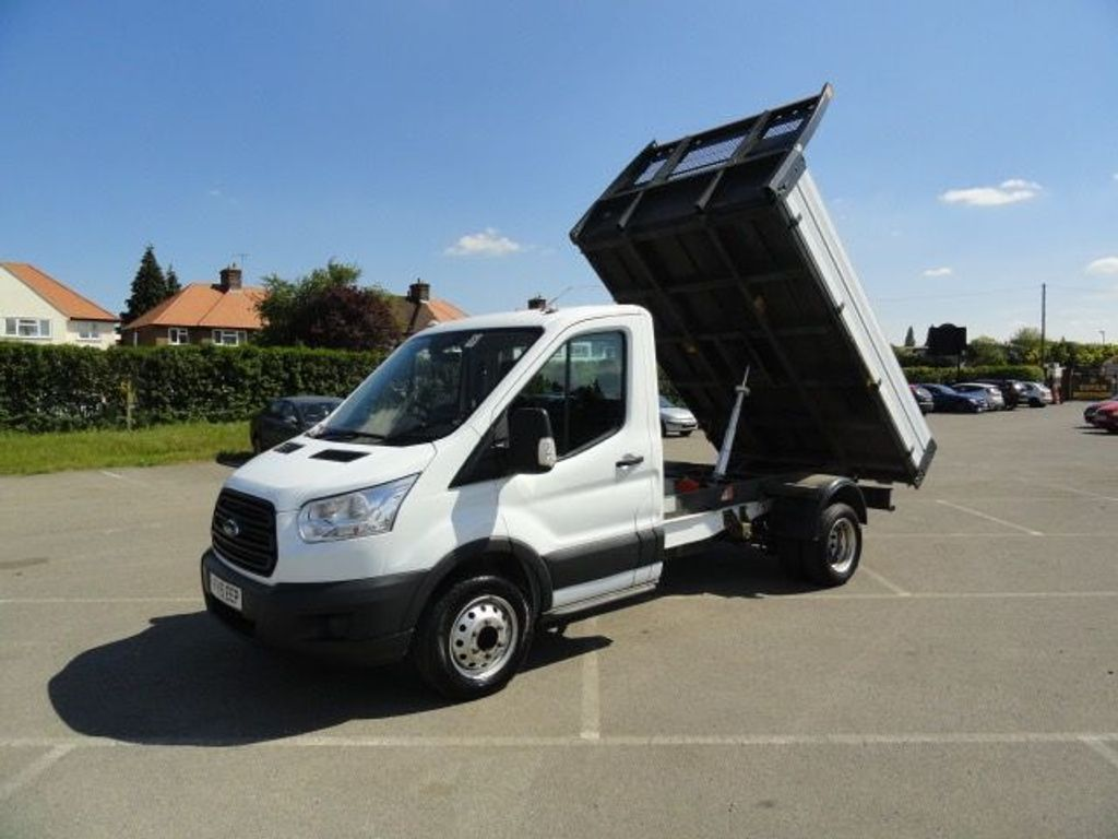 Ford Transit Chassis Cab 2.2 TDCi 350 RWD L2 H1 EU5 2dr (DRW)