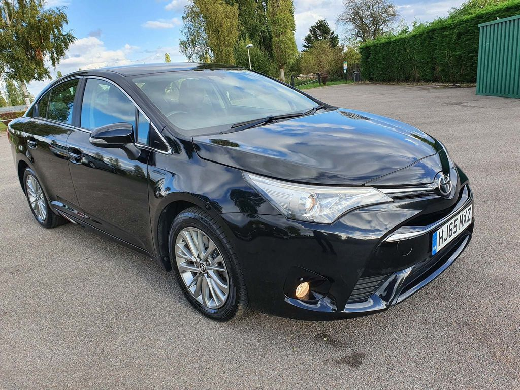 Toyota Avensis Saloon 2.0 D-4D Business Edition (s/s) 4dr