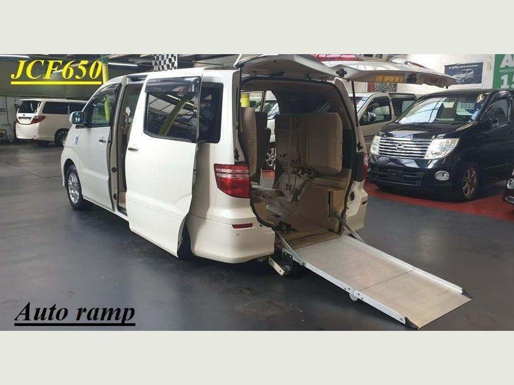 Toyota Alphard MPV Mobility access auto ramp 8 seats