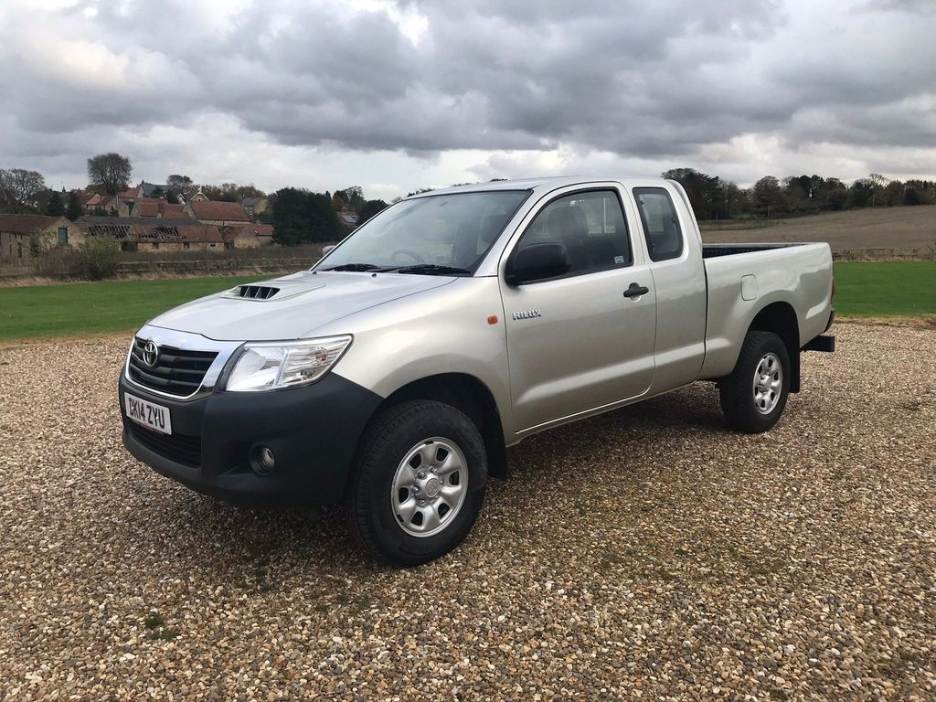 Toyota Hilux Pickup 2.5 D-4D Active Pickup 4WD 2dr