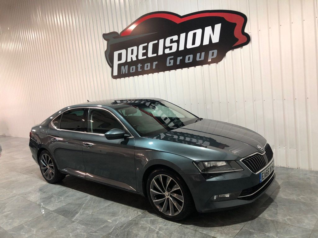 SKODA Superb Hatchback 2.0 TDI Laurin & Klement DSG Auto 6Spd 4WD (s/s) 5dr