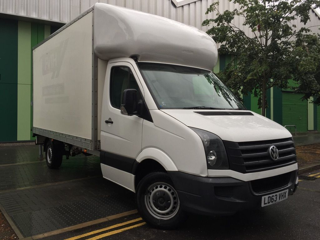 VOLKSWAGEN CRAFTER Luton {Edition unlisted}