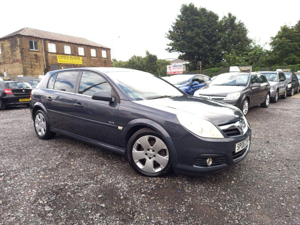 Vauxhall Signum Hatchback 3.0 CDTi V6 Elite 5dr