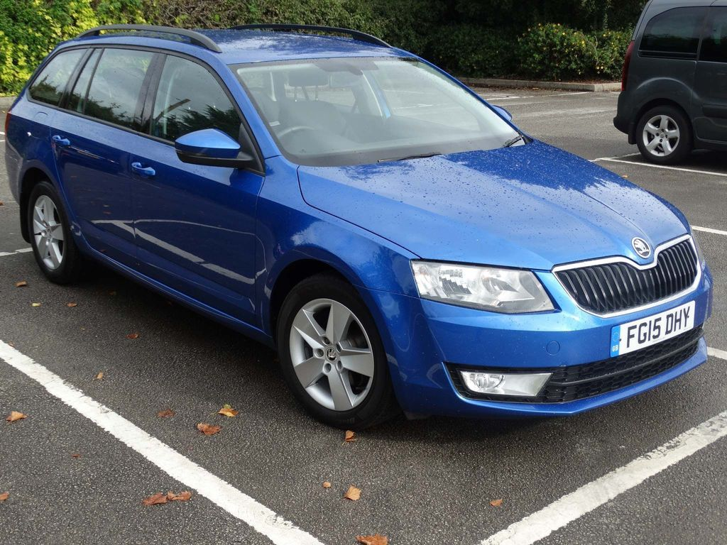 SKODA OCTAVIA Estate 1.6 TDI CR DPF SE Business DSG 5dr