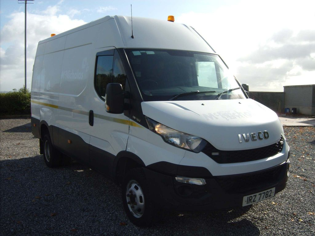 Iveco Daily Panel Van 3.0 TD 15V 50C 3520 (Business) MWB 5dr