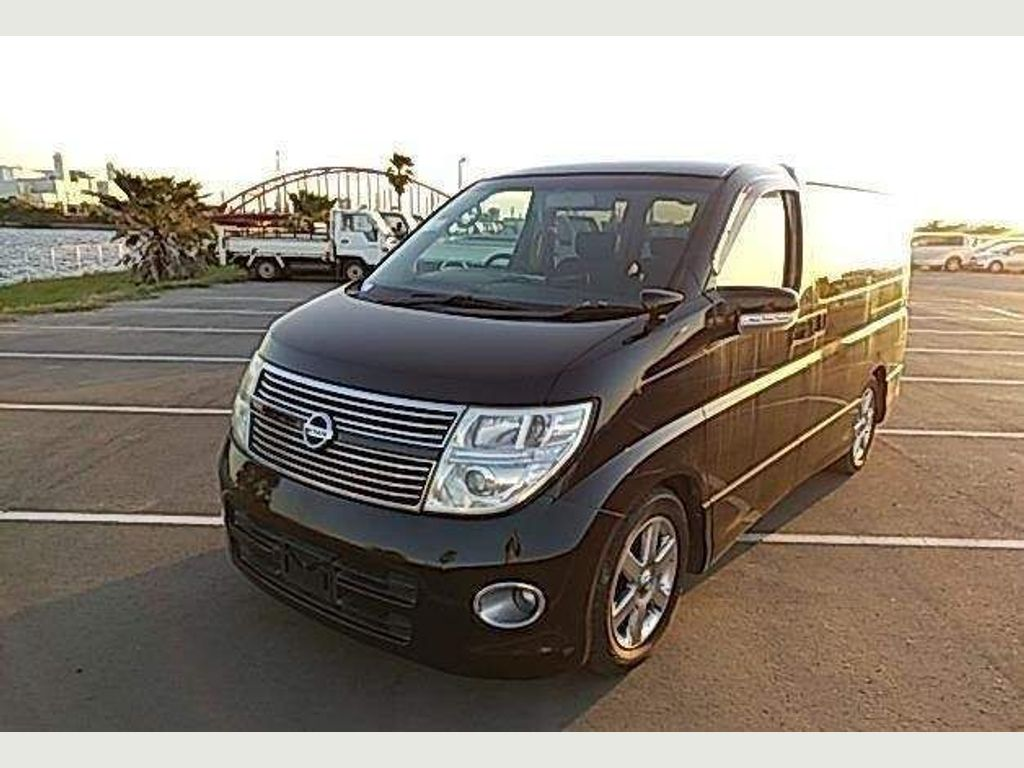 Nissan Elgrand MPV MNE51 Highway Star 4WD 8 seater