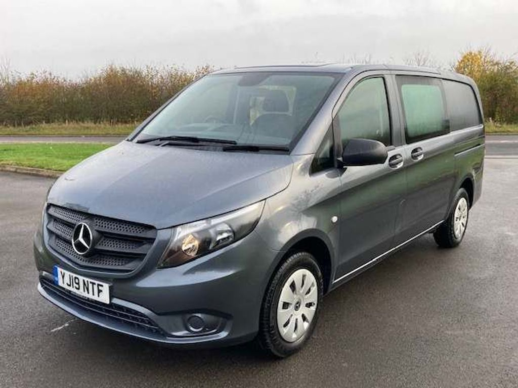Mercedes-Benz Vito Combi Van 2.1 114 CDi Progressive Crew Van RWD L2 EU6 (s/s) 5dr