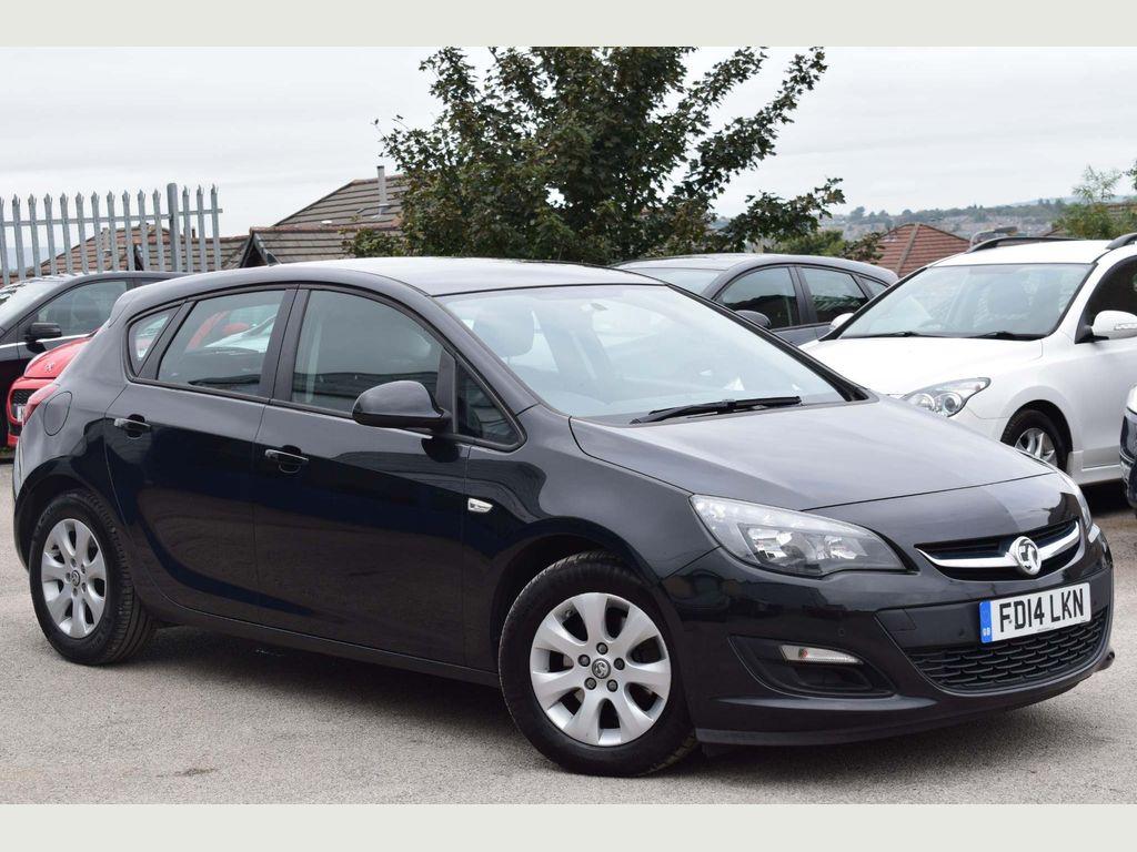 Vauxhall Astra Hatchback 1.7 CDTi ecoFLEX 99g Design (s/s) 5dr