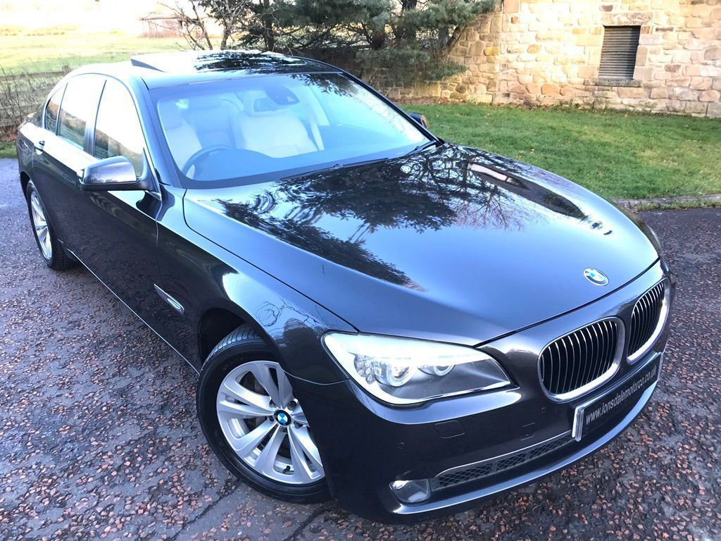 BMW 7 Series Saloon 4.4 750i V8 4dr