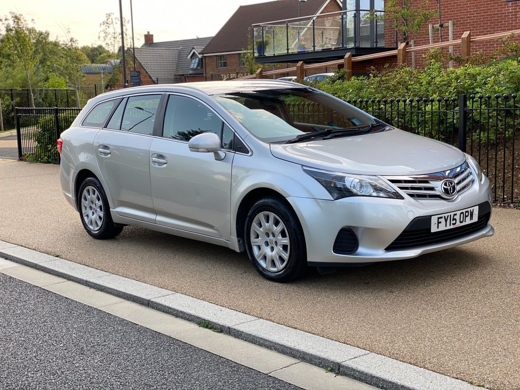 Toyota Avensis Estate 2.0 D-4D Active 5dr