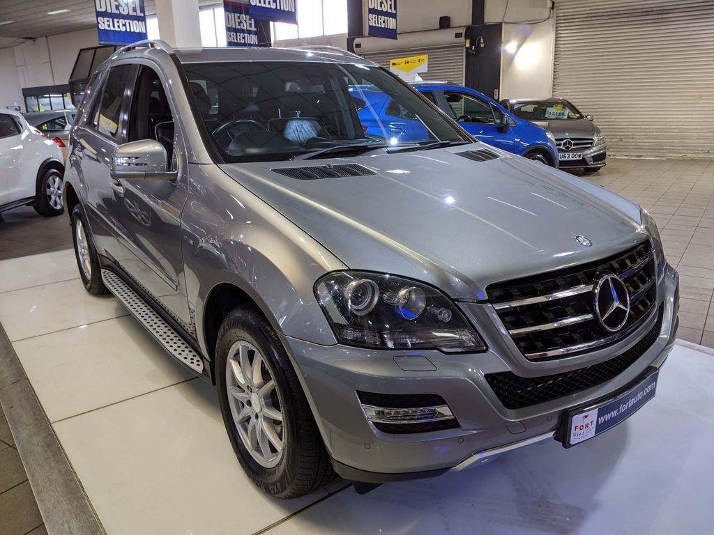 Mercedes-Benz M Class SUV 3.0 ML300 CDI BlueEFFICIENCY Grand 5dr