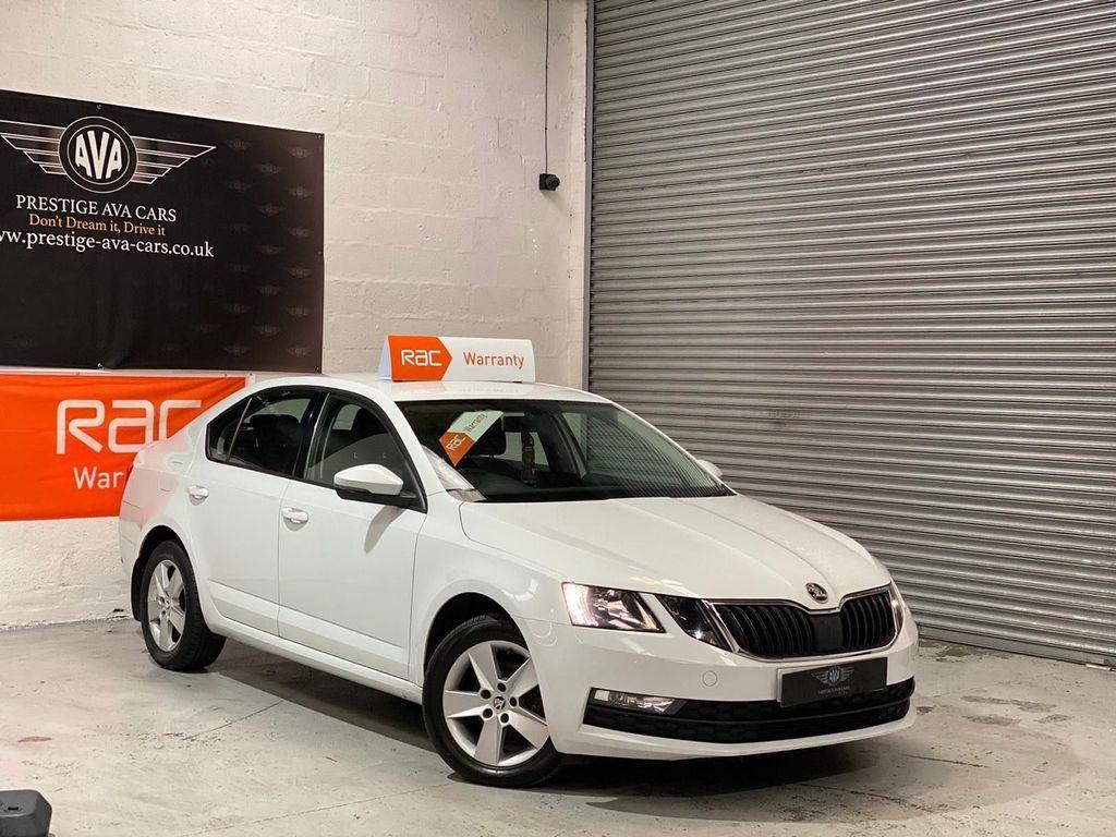 SKODA Octavia Hatchback 1.6 TDI CR SE (s/s) 5dr