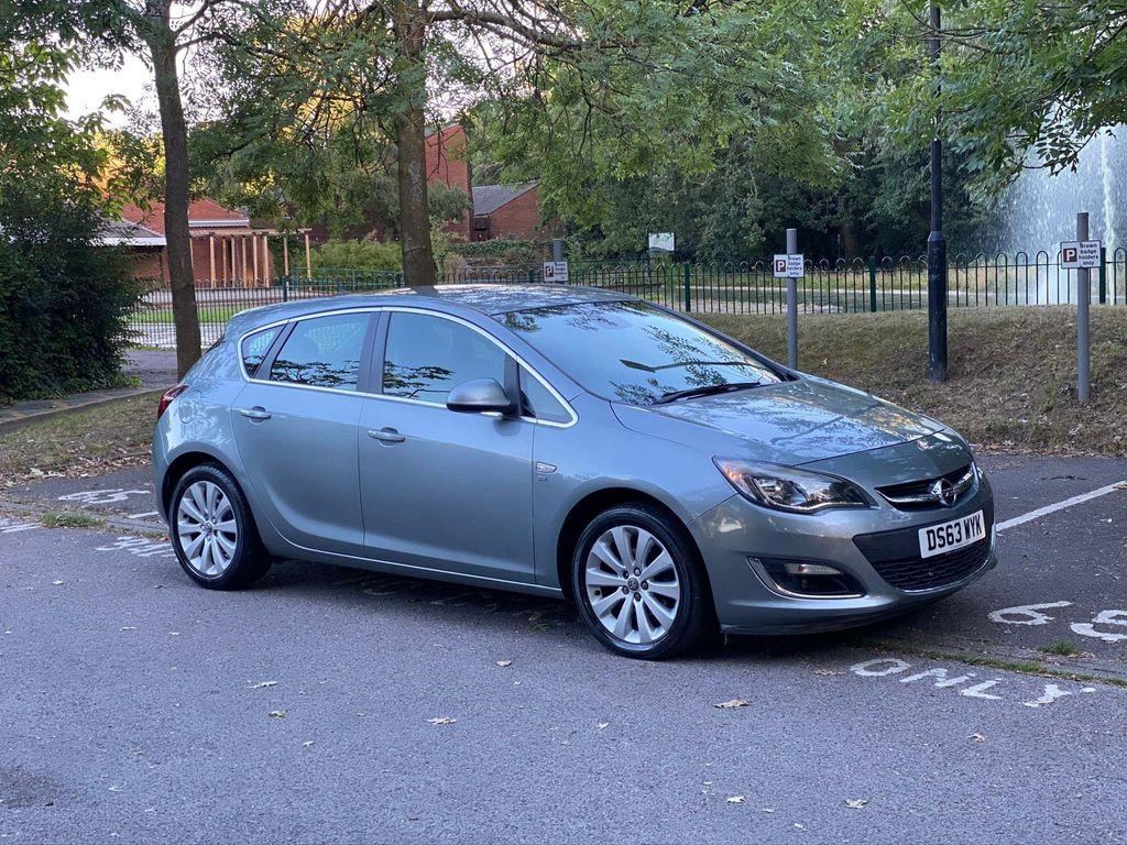 Vauxhall Astra Hatchback 1.6 16v SE Auto 5dr