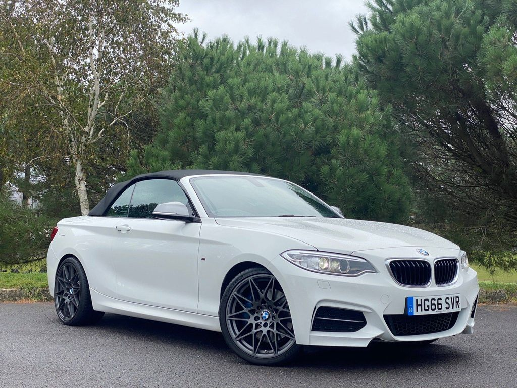 BMW 2 Series Convertible 3.0 M240i Auto (s/s) 2dr