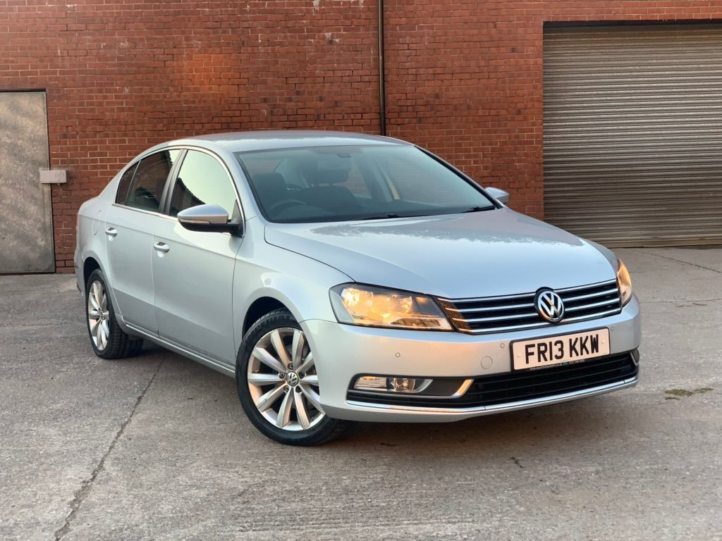 VOLKSWAGEN PASSAT Saloon 2.0 TDI BlueMotion Tech Highline DSG (s/s) 4dr