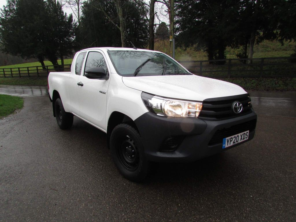 Toyota Hilux Pickup 2.4 D-4D Active Extra Cab Pickup 4WD EU6 4dr (3.5t)