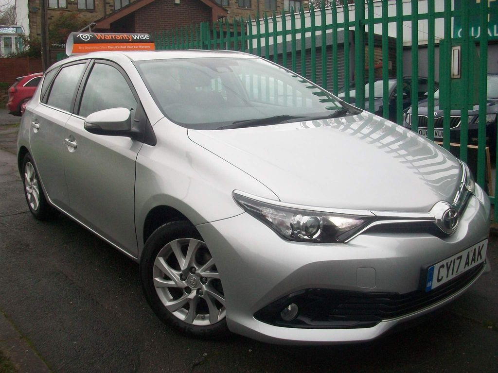 Toyota Auris Hatchback 1.2 VVT-i Icon (s/s) 5dr (Safety Sense)